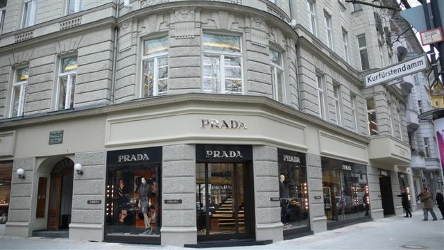 the new prada store in berlin heart 2 heart. Black Bedroom Furniture Sets. Home Design Ideas