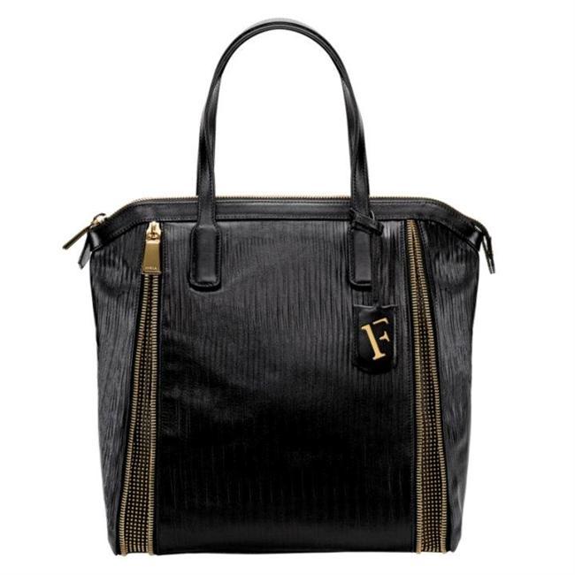 Коллекция сумок осень-зима 2011-2012 известного итальянского бренда Furla - достаточно яркая и необычная.