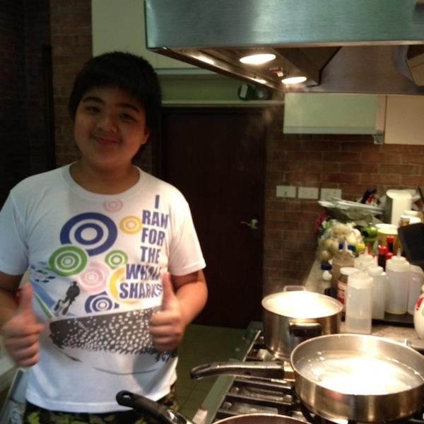 chef-javs-cooking-eggs-benedict.JPG