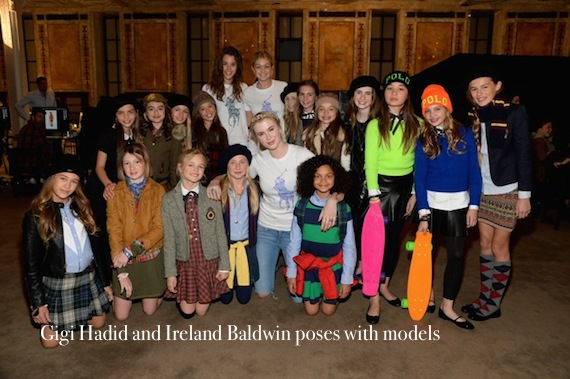 gigi-hadid-and-ireland-baldwin-poses-with-models-2.jpg