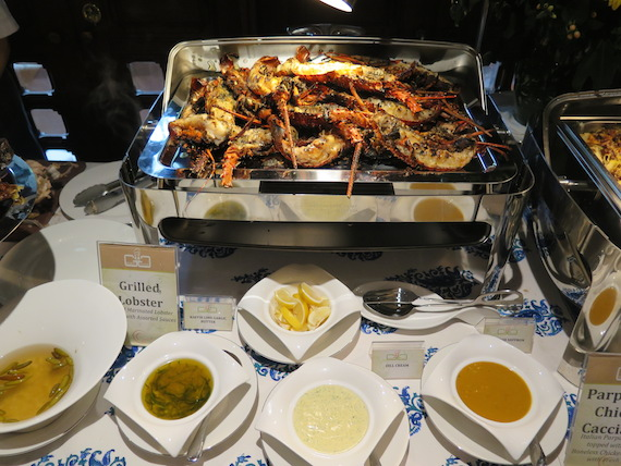 blue-and-white-sunday-family-lunch-by-gg-8.JPG