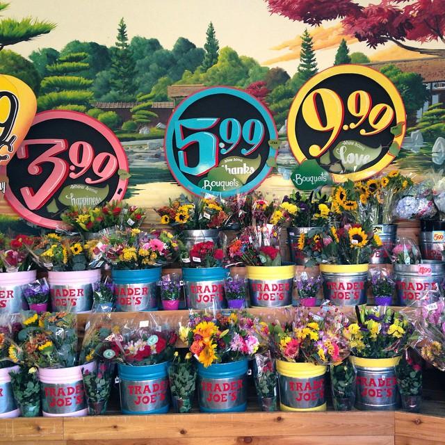 ❤️??????? #traderjoes #flowers