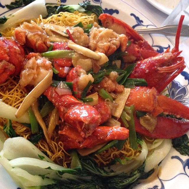 They took us to dinner in Silver Lake (San Mateo). Y?m!  Lobster on noodles ? #silverlake #sanmateo #lobster