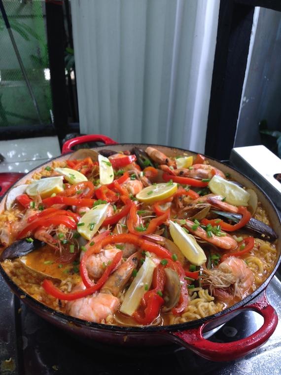 Fideua by Mr Cochinillo Tinee de Guzman