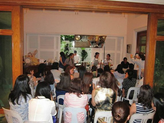 gaita fores mothers club casa artusi philippines 2014 Mothers Club (20)