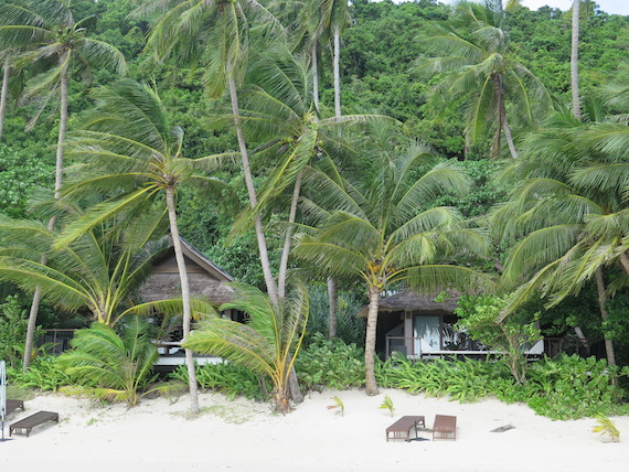 Villas at Pangalusian Island (22)