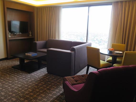 Bellevue Manila (2)