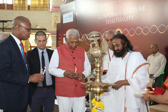 Sri Sri Ravi Shankar LIVE in Manila April 8 2015 Secrets to Inner Strength and Happiness (3)