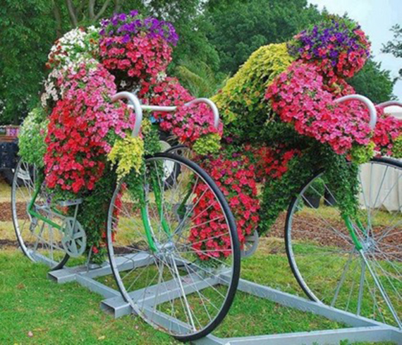 The Dutch Know What to do With Flowers (2)
