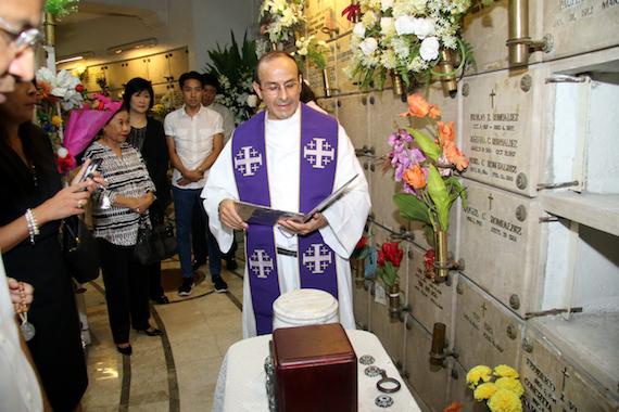 dr-ramon-syjuco-de-jesus-funeral-capilya-father-julian-mazana