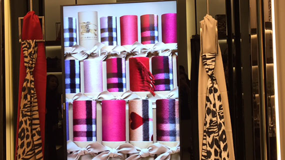 the-scarf-bar-at-burberry-15