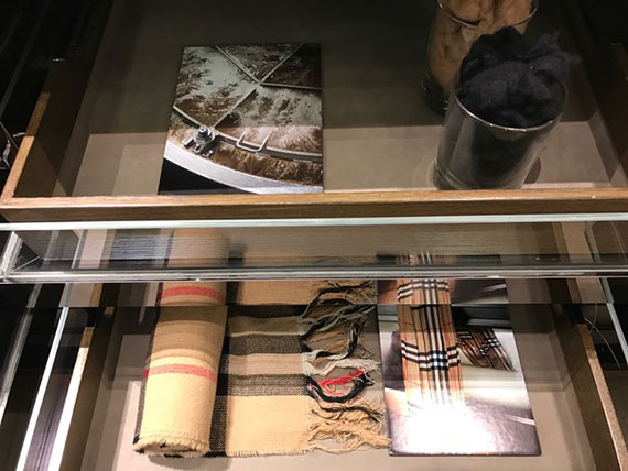 the-scarf-bar-at-burberry-6