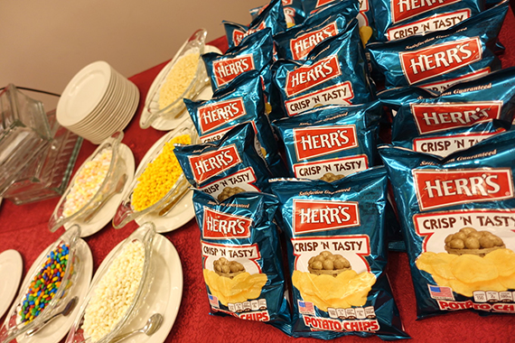 herrs-crunchy-cheestix-23