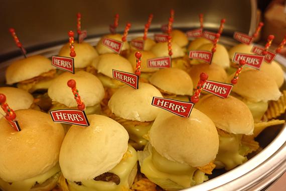 herrs-crunchy-cheestix-30