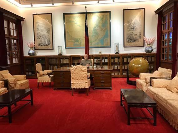 chiang-kai-shek-memorial-hall-11