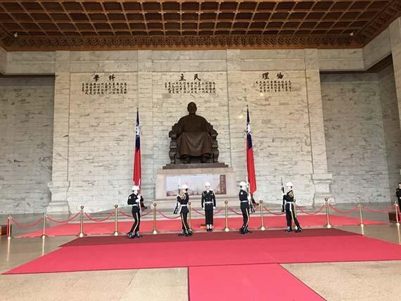chiang-kai-shek-memorial-hall-9