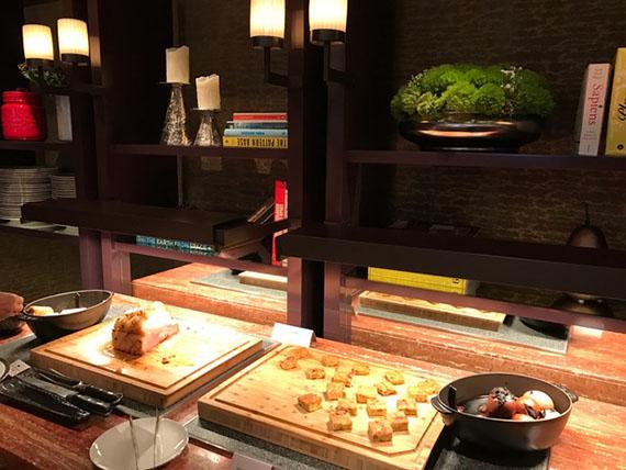 buffet-breakfast-at-cafe-un-deux-trois-33
