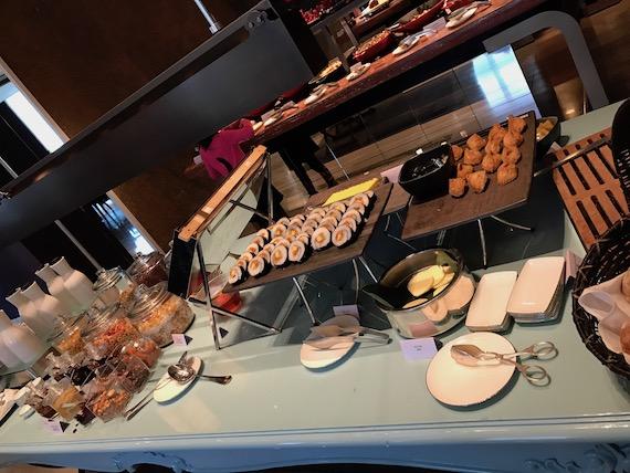 breakfast cafe un desu trois mandarin oriental taipei 2