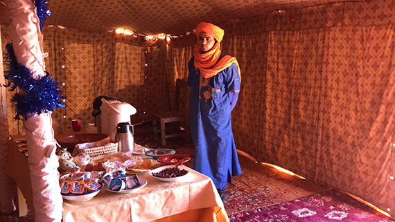 Breakfast at Erg Chebbi (4)