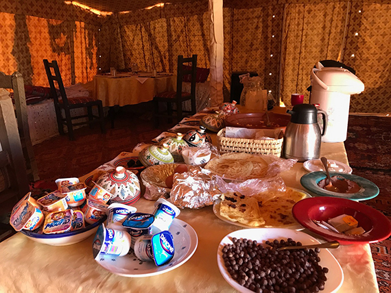 Breakfast at Erg Chebbi (5)