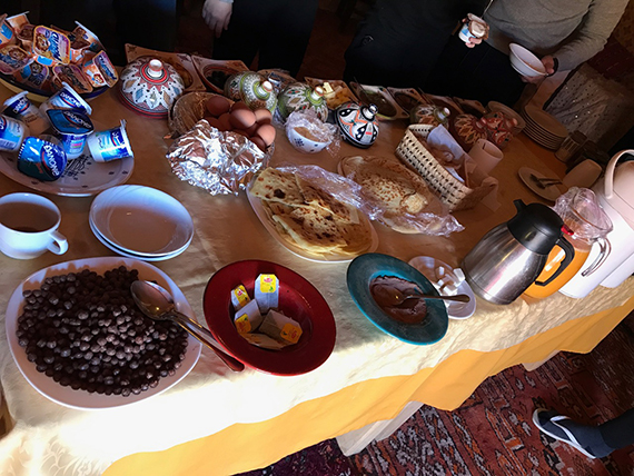 Breakfast at Erg Chebbi (6)