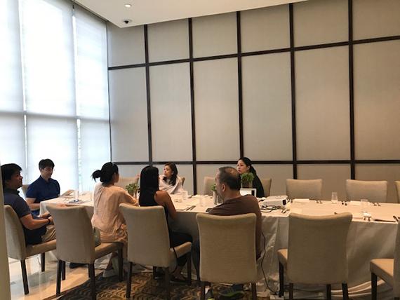 Serious Meeting (4)