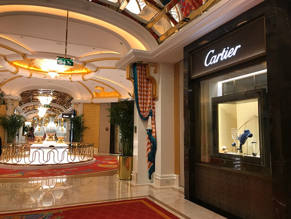 Shopping at the Wynn Palace (14)