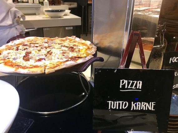 tutto carne pizza cafe hyatt city of dreams