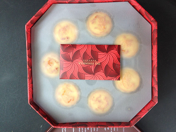 Egg CustRd Mooncakes from the Peninsula Bangkok (5)