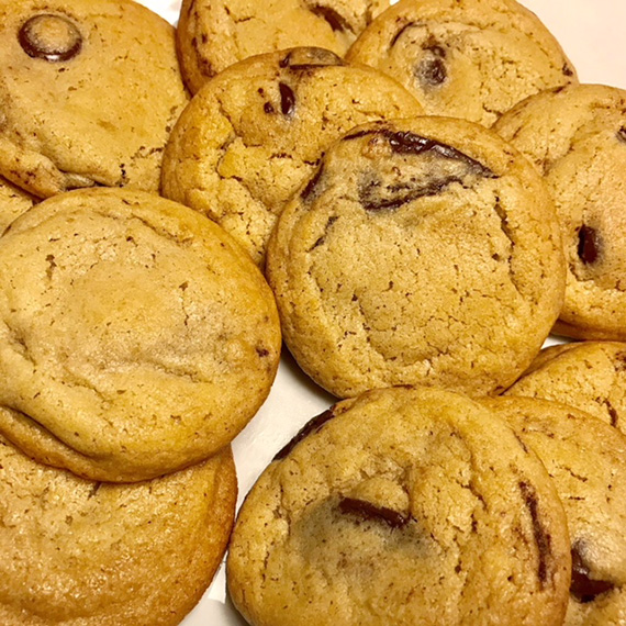 Homemade Chocolate Chip Cookies by Tina (1)